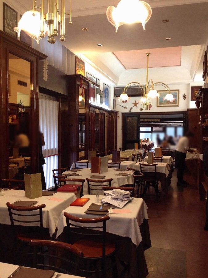 """<span>Salvatore Ercolano, alla fine degli anni '60 venne a Milano, da Sorrento e rilevò il ristorante del fratello Antonino.<br>Salvatore e la moglie Vincenza avevano una bella nidiata di """"pupetti"""".Tra questi ce n'era uno un po' scugnizzo <i><a href=""""/index.php/chi-siamo"""">continua…..</a></i></span>"""